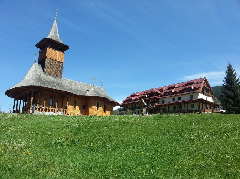Mân. Paltin Petru Vodă, biserica şi azilul