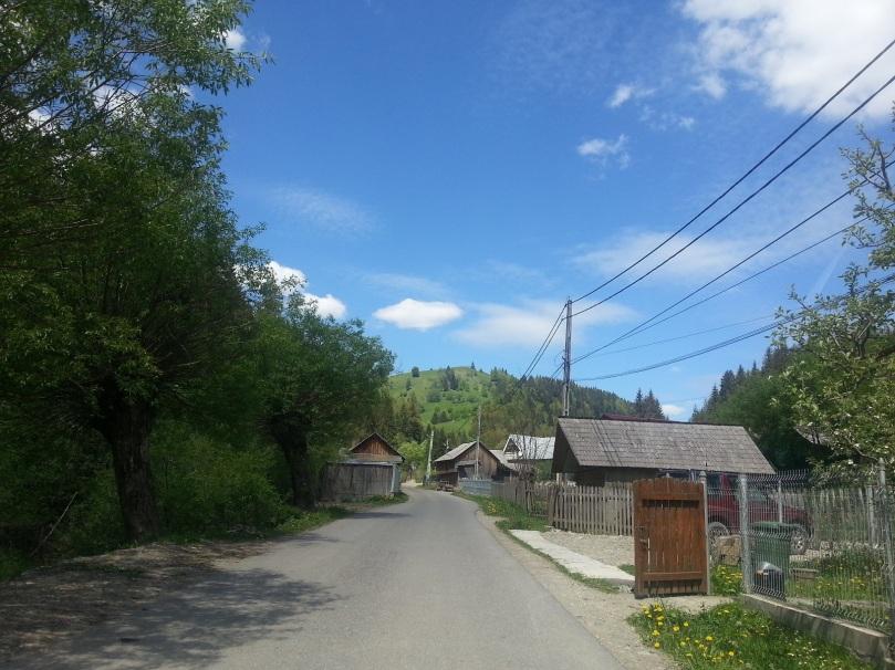 Satul Petru Vodă spre Mânăstirea Paltin