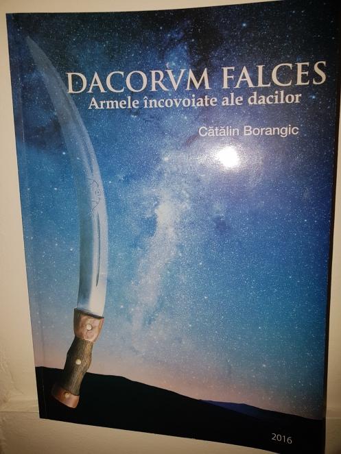 Dacorum falces 01.jpg