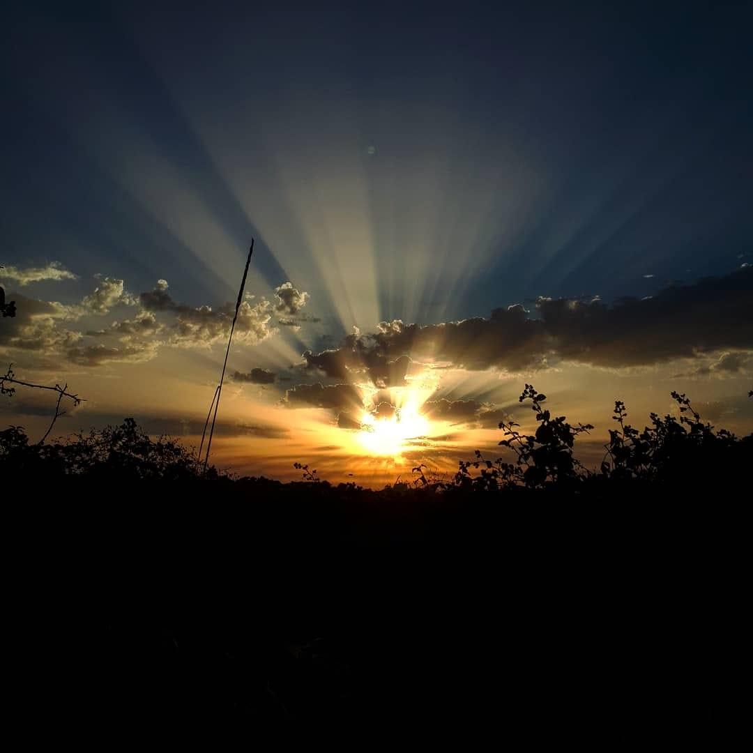 lumina lumineaza 01
